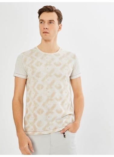 Xint Tişört Renksiz